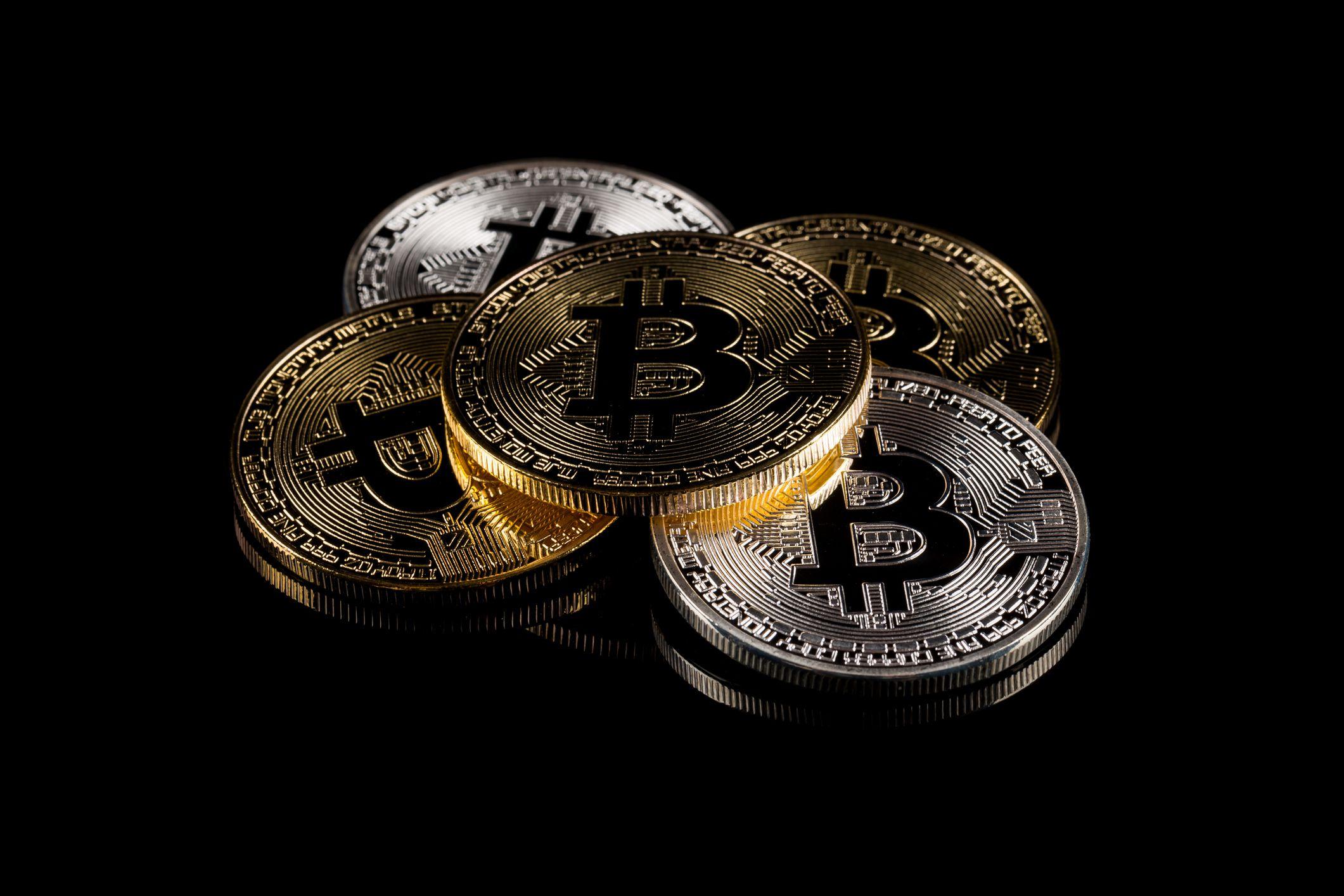 mennyit lehet keresni bitcoinokon naponta hogyan lehet azonnal pénzt fizetni