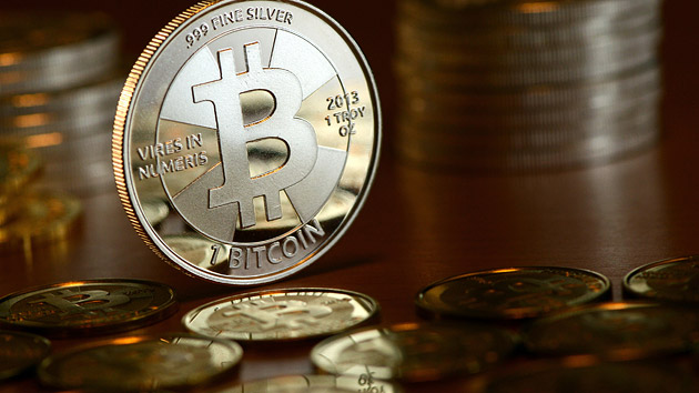 A Bitcoin tranzakcióhálózat fejlődésének vizsgálata adatbányász módszerekkel
