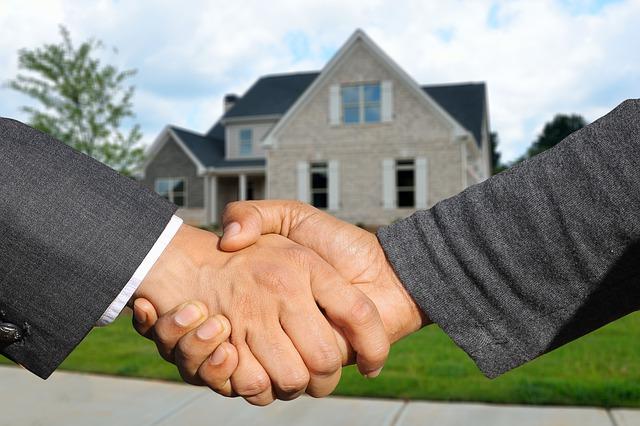 hogy a 2. ház résztvevői mennyit keresnek